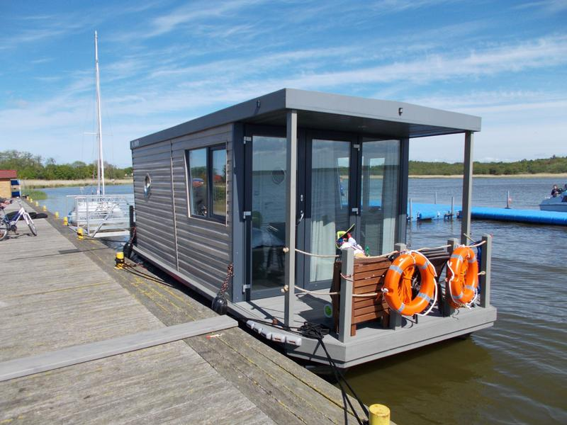 La Mare - CANALBOAT Houseboat